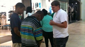 witnessing in a mall
